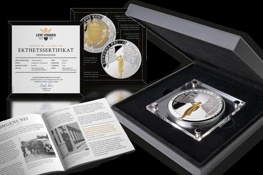 Gigantmedaljen Kongens Nei, belagt med sølv og detaljer i gull leveres i spesialtilpasset skrin og fyldig historisk dokumentasjon