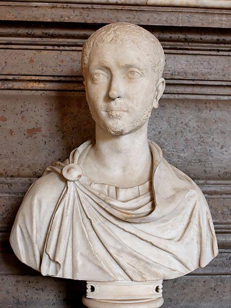 Byste av Alexander Severus. Under ham var romerske mynter relativt stabile, og han ga ut mange av de valørene som forsvant kort tid etter.