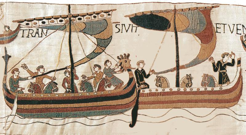 Bayeux-teppet to langskip, syvemenn og syv hester.