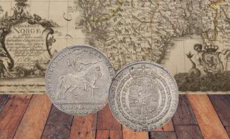 norske mark og kroner: Bilde av ryttermark med gammelt kart av norge i bakgrunnen
