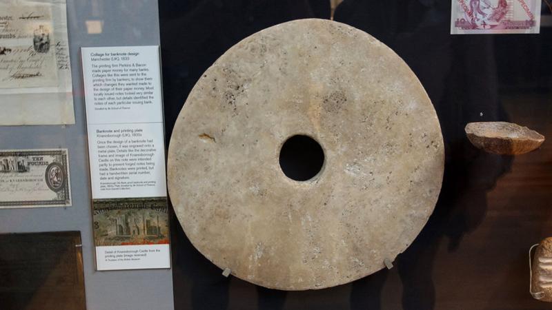 Øya Yap laget store mynter fra naboøya til bruk hos seg.