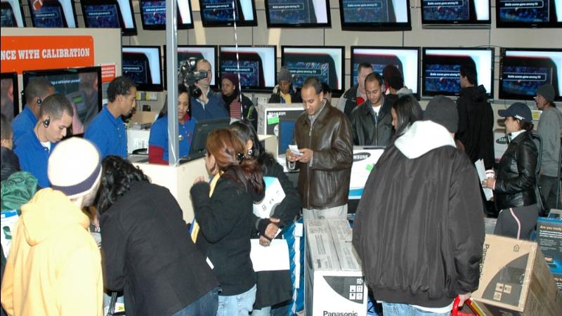 Black Friday på en butikk i USA som spesialiserer seg på elektronikk