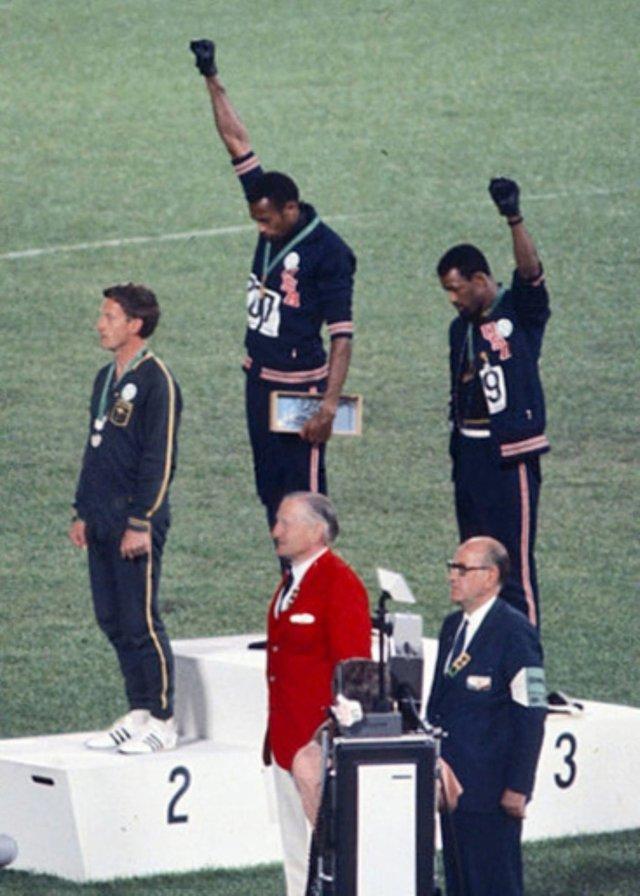 Samlerhuset Tommie Smith, John Carlos og Peter Norman under olympiske leker i 1968